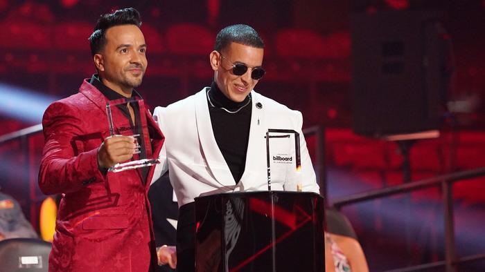 Luis Fonsi y Daddy Yankee en los Premios Billboard de la Música Latina 2020