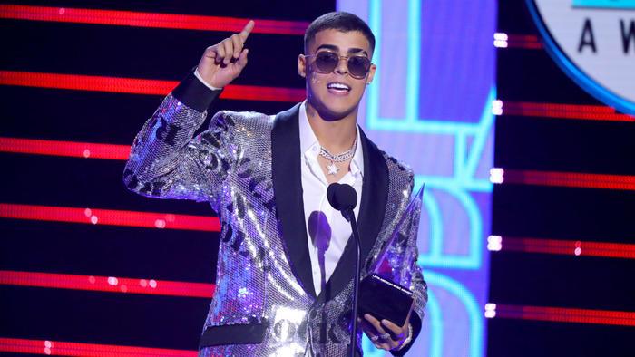 Lunay en los Latin American Music Awards 2019