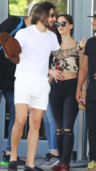 Maluma con su novia en Miami