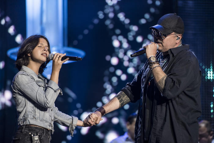 Pepe Aguilar y su hija Ángela en los ensayos de Premios Tu Mundo