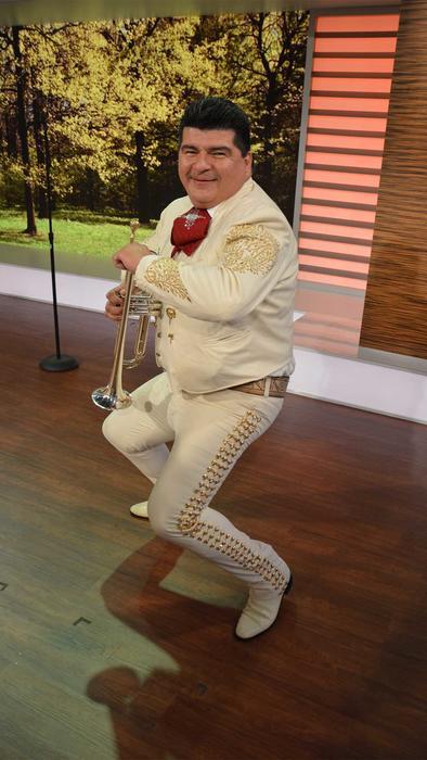 mariachi perreando