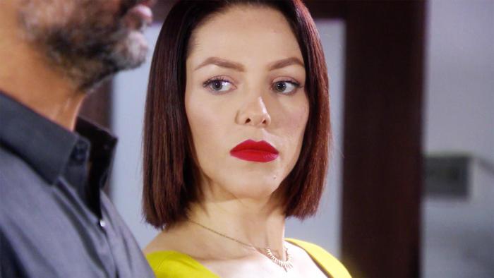 Erika de la Rosa recibe amenazas del capo en Eva La Trailera