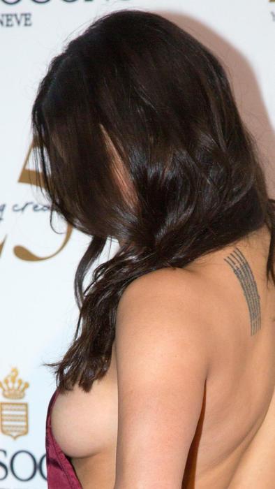 Michelle Rodriguez enseña sideboob