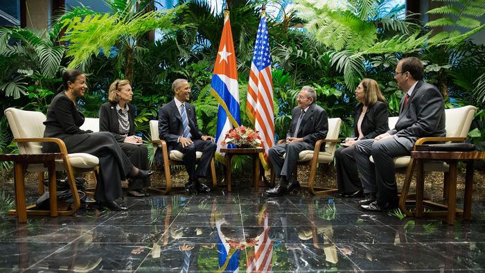 obama and castro conversan