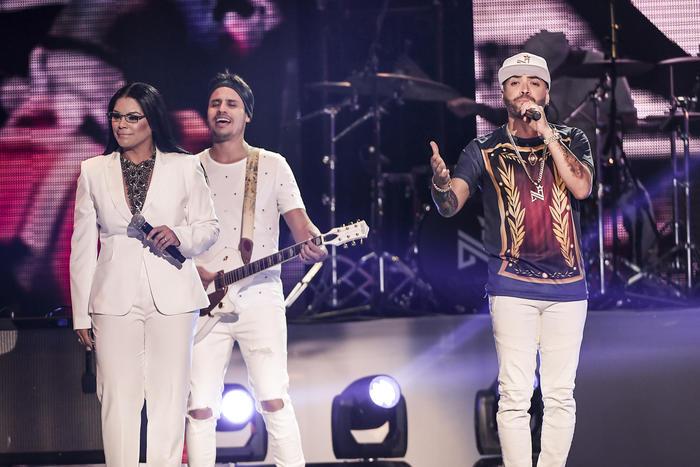 Olga Tañón, Nacho y Luis Enrique en Premios Tu Mundo 2017.