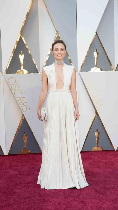 Olivia Wilde en la alfombra roja de los Oscar 2016