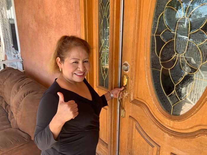 Sara Ramírez logró obtener la residencia pese a sufrir un fraude migratorio.