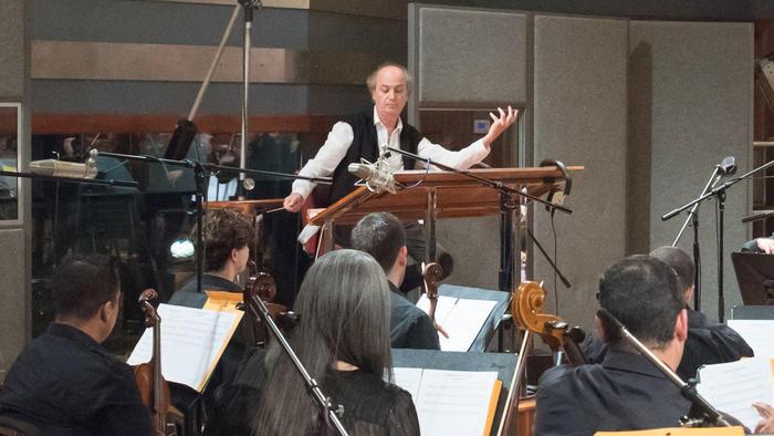 Orquesta Sinfónica de Miami graba la banda sonora de 'La Reina del Sur'