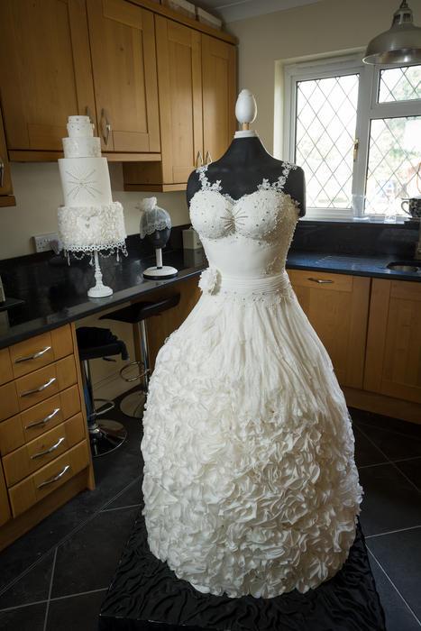 Pastel de bodas como vestido de novia
