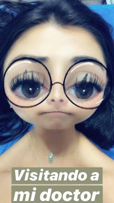 Paulina Peña posando desde un consultorio médico en mayo de 2019