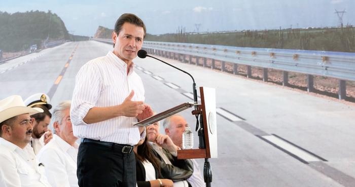 Peña Nieto realiza su penúltima gira de trabajo en Sonora y entrega carretera inconclusa