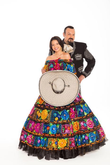 Pepe Aguilar y Angela Aguilar