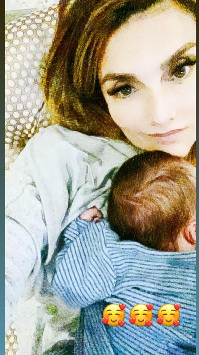 Pilar Rubio con su nieto Samuel