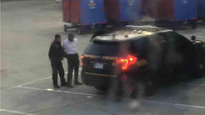Piloto detenido por las autoridades