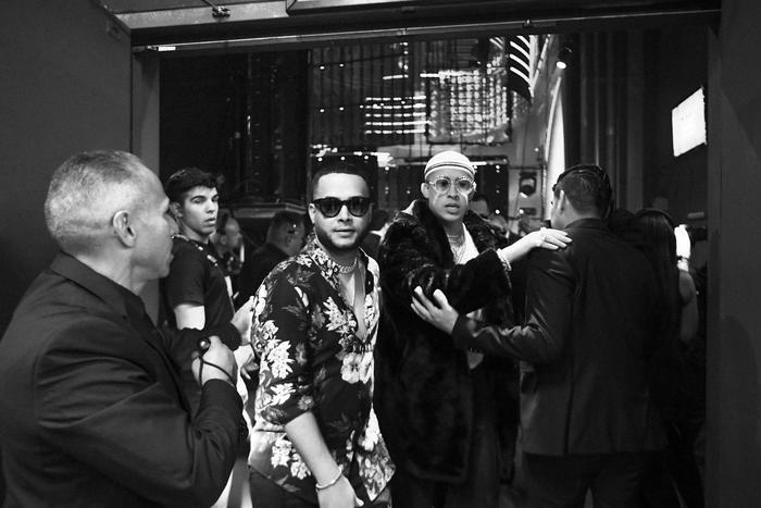 Bad Bunny backstage Latin AMAs 2017