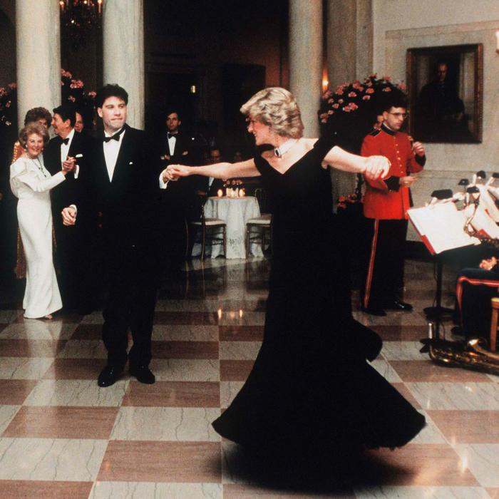 Princesa Diana bailando con Travolta