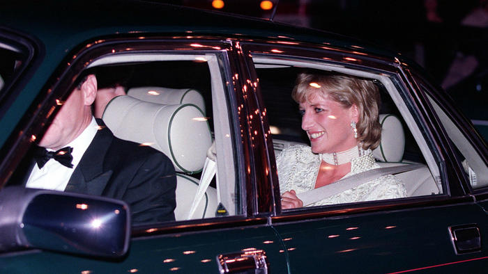 La princesa Diana en su auto
