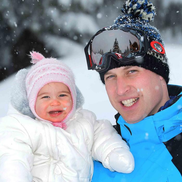 Príncipe William y la princesa Charlotte en los Alpes