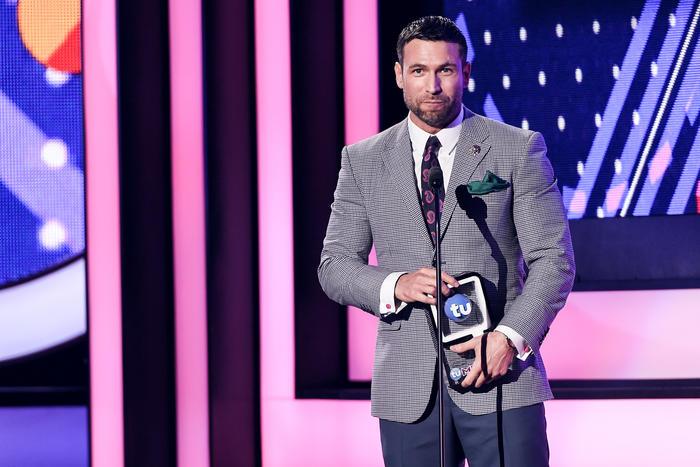 Rafael Amaya ganador de Premios Tu Mundo 2016