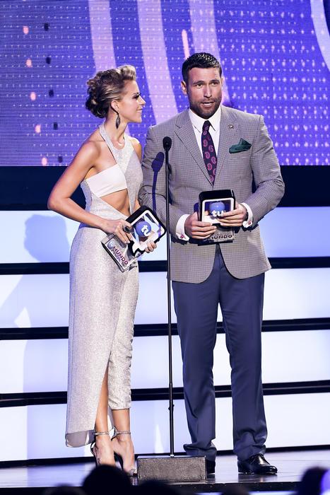 Rafael Amaya y Fernanda Castillo ganadores de Premios Tu Mundo 2016