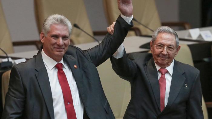 Raul Castro y Miguel Diaz-Canel