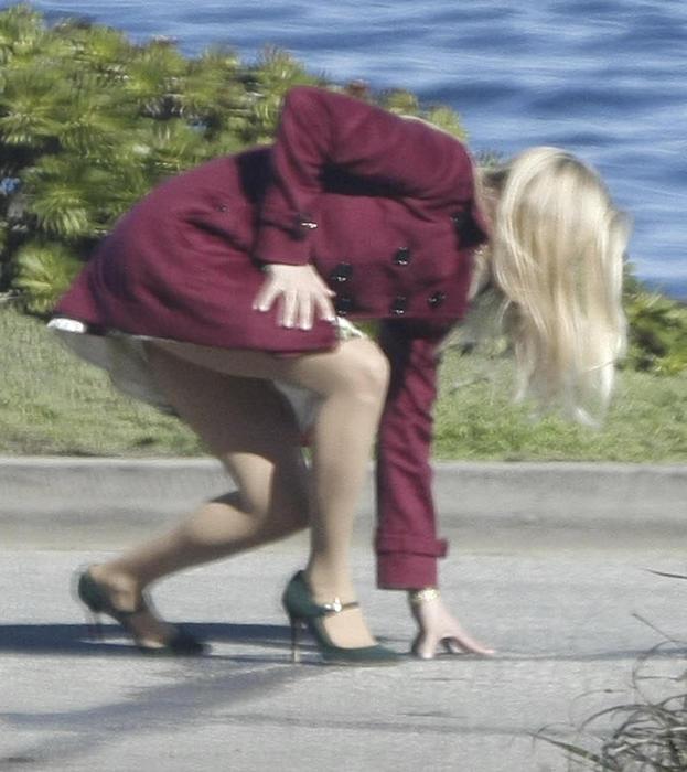 Reese Witherspoon se resbala y se cae en pleno set de grabación