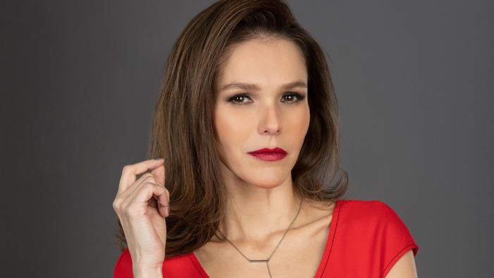 Kika Édgar es Genoveva Alcalá en 'La Reina del Sur'