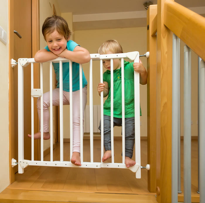 Reja de seguridad en las escaleras - Puertas escaleras bebes ...