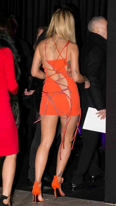 Rita Ora en el Paris Fashion Week 2016