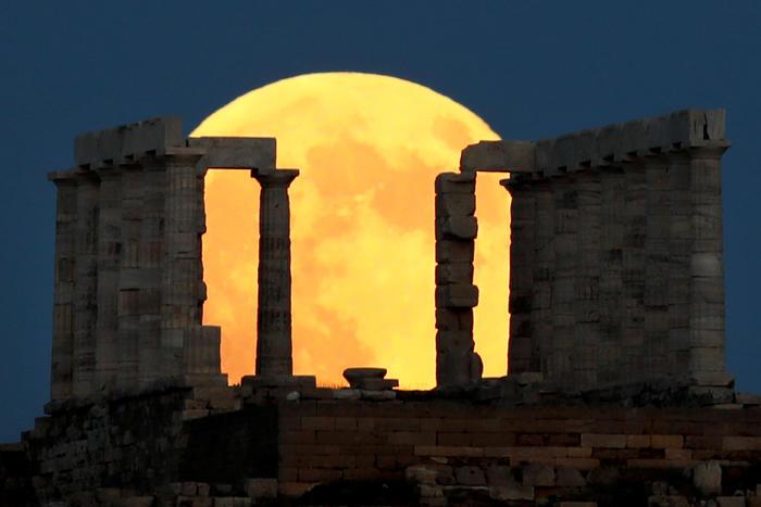 Lunar eclipse in Greece