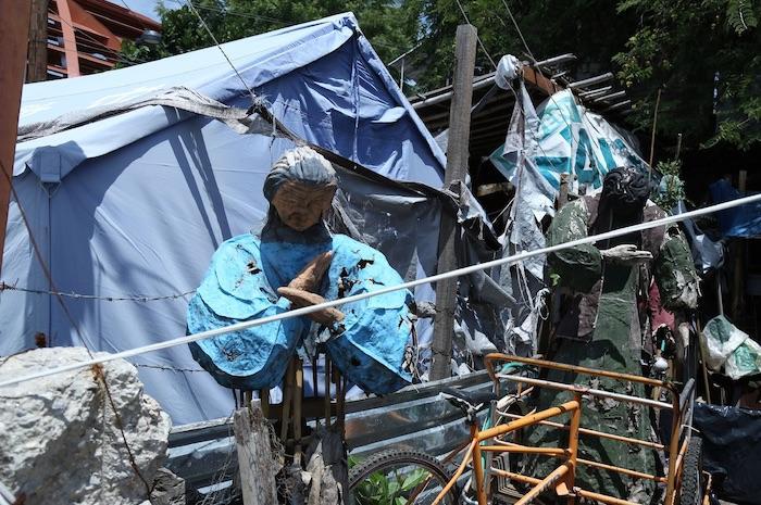 Campamento en una calle de Jojutla.