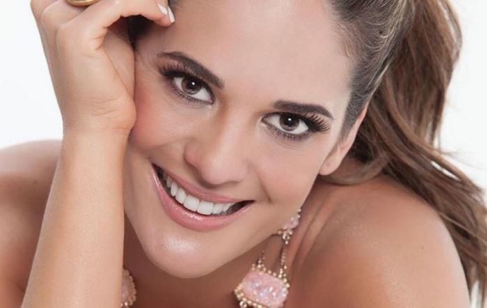 Sabrina Seara sonriente