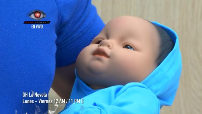 Emmanuel el bebé de Iselis y Agustín en la casa de Gran Hermano