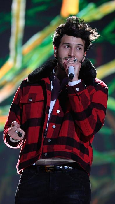 Sebastián Yatra en los ensayos de los Premios Billboard