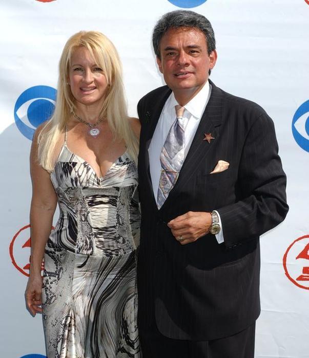 Sarita Salazar y José José