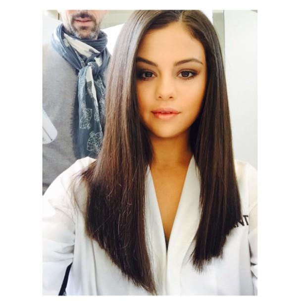 Selena Gomez pelo largo