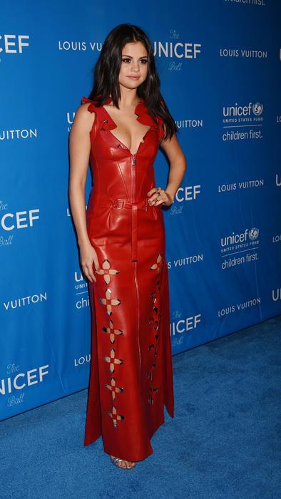 selena gomez en la gala unicef en 2015