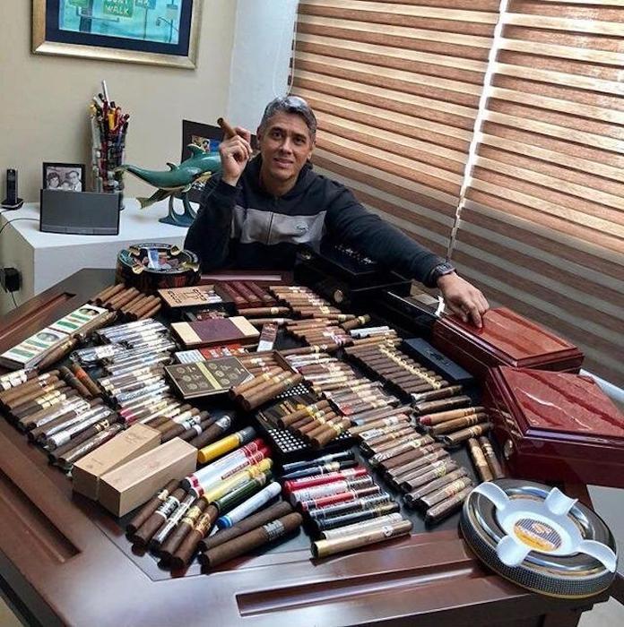 Los puros y los Rolex que el magistrado Adolfo Eduardo Serrano Ruiz presume