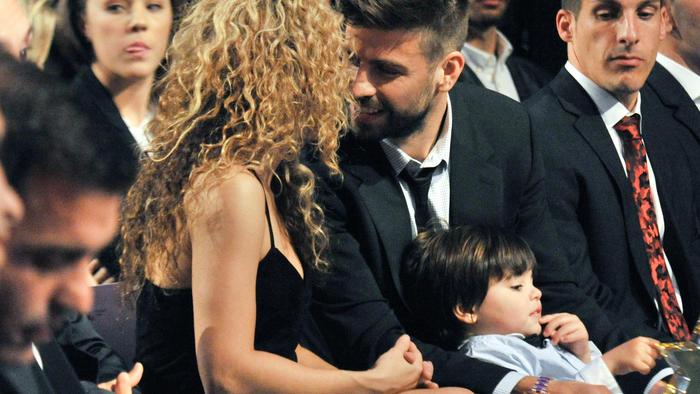 Shakira, Gerard Piqué y Milan en la Gala de las Estrellas 2015