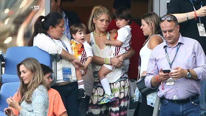 Shakira, Milan y Sasha en el aeropuerto de Miami