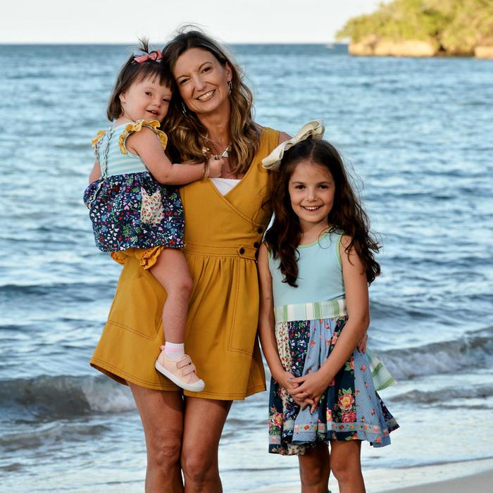 Shannon Striner y sus hijas Sienna y Haley