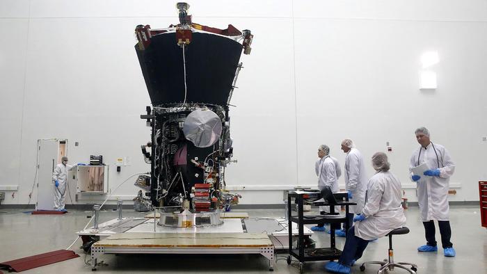 La sonda Parker antes de ser enviada al Sol, en el Centro Espacial Goddard, en  Greenbelt, Maryland.
