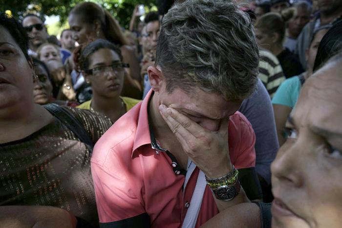 Cubanos protestan ante embajada en ecuador