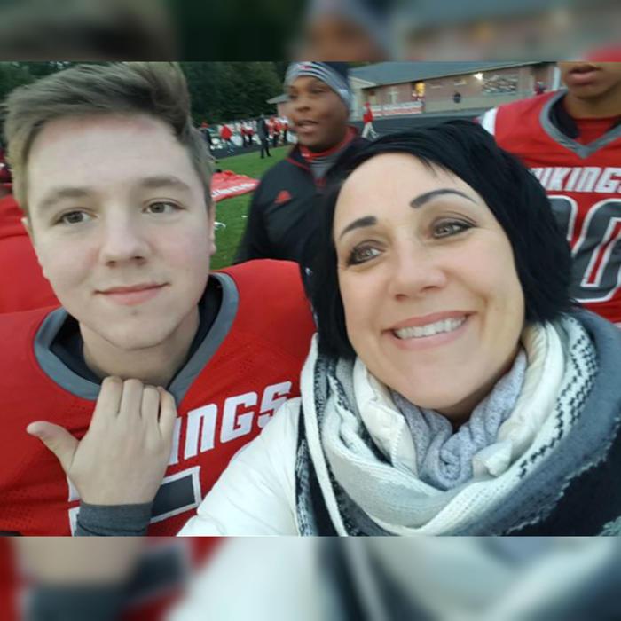 Tanner Noble y su mamá