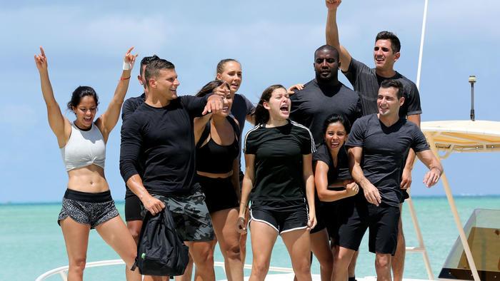 Team Famosos se animan en el yate rumbo a las arenas de Exatlón