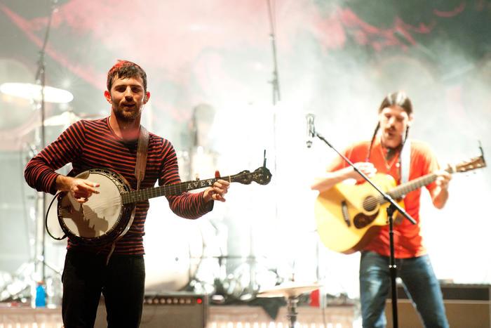 The Avett Brothers en un festival de música en 2014