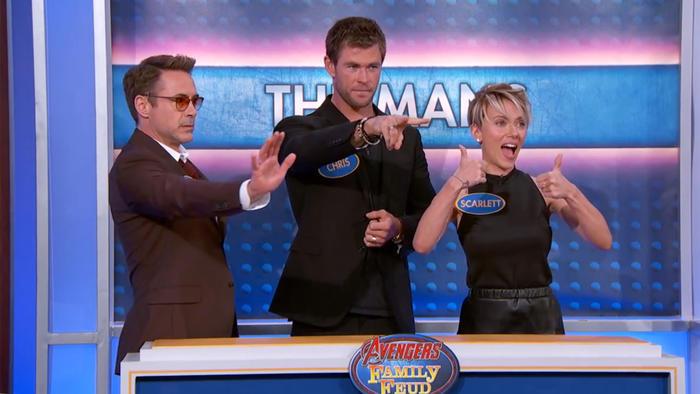 """Los Avengers juegan """"Family Feud"""" en el programa de televisión de Jimmy Kimmel."""