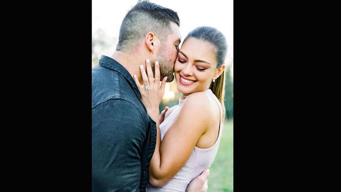 Tim Tebow y Demi-Leigh anunciaron su compromiso