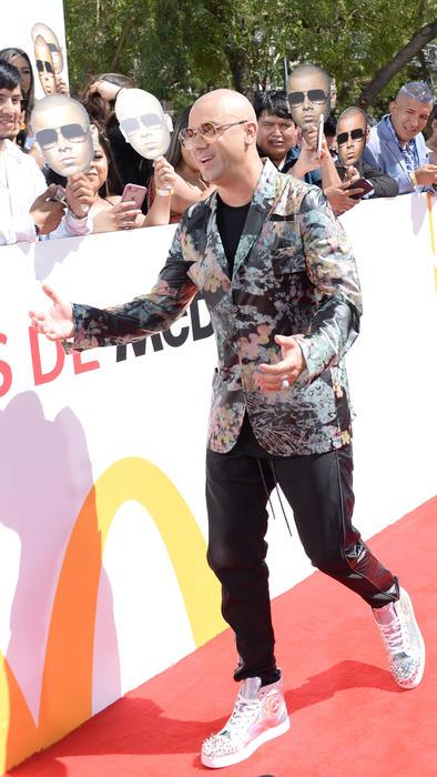 Wisin en la alfombra roja de Mc Donald's de Premios Billboard 2019