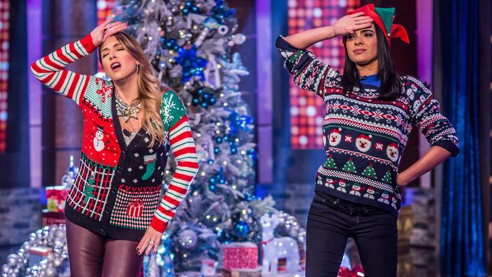 Erika de la Vega y Scarlet Gruber bailando en Ya Era Hora
